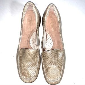 NWOT EasySpirit Shoes In Snake Print